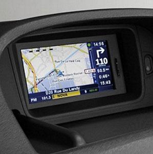 GPS intégré au tableau de bord d'un véhicule de transport de personnes à mobilité réduite