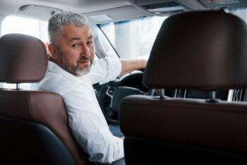 Chauffeur de personne à mobilité réduite en TPMR