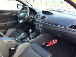 extincteur dans une voiture